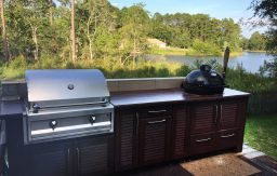 Full-access free-standing outdoor kitchen
